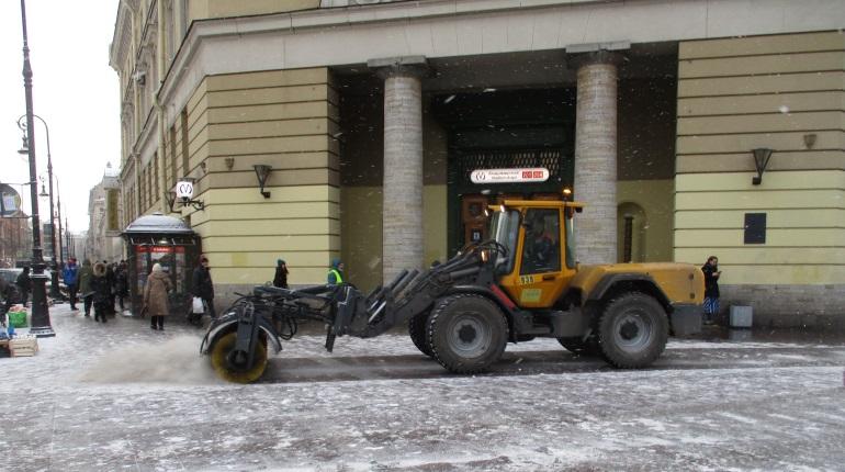 Депутаты не успеют изменить закон: Петербург уже засыпают солью
