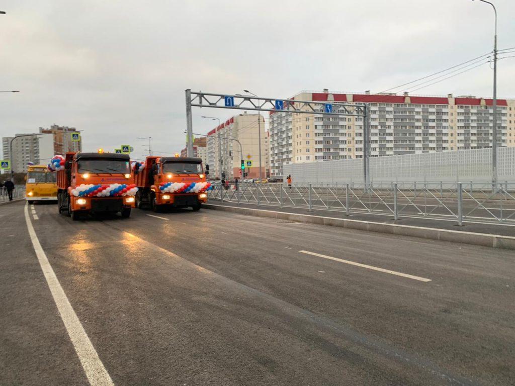Водители Колпино больше не будут ждать поезда, открыт путепровод над ж/д путями