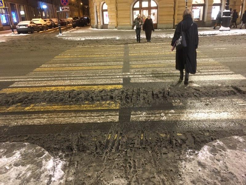 Итоги рабочей недели в Петербурге: пожар в Шушарах и первый снег