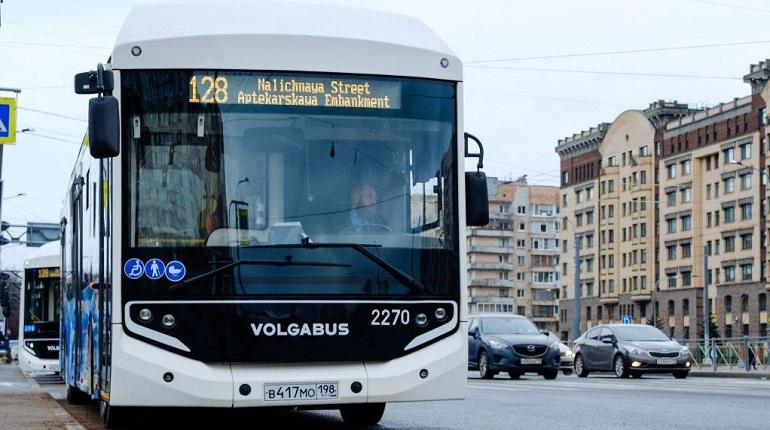 Петербург закупает экологичные автобусы. Ленбласть перекладывает ответственность на перевозчиков