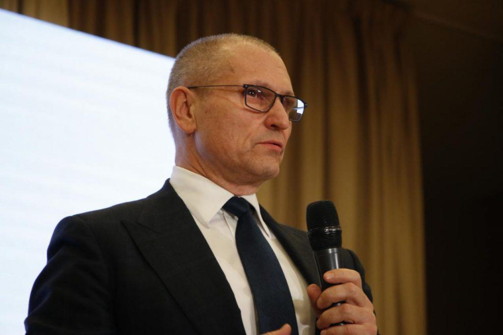 Петербург запускает свое производство аппаратов ИВЛ и защитных костюмов