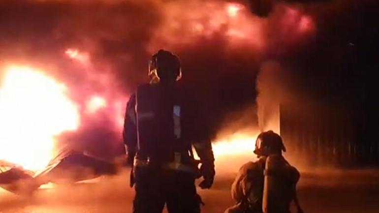 Смотрите, как эпично горел склад на Московском шоссе: 5 фото и 2 видео