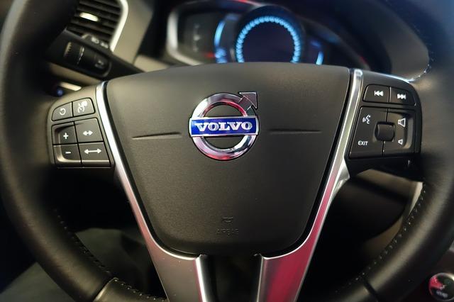 Volvo отзывает в России почти 10 тысяч машин из-за ошибки в ПО