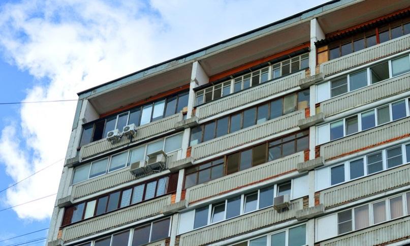 ЖКС №1 Кировского района грозит штраф за опасные дома на Дачном