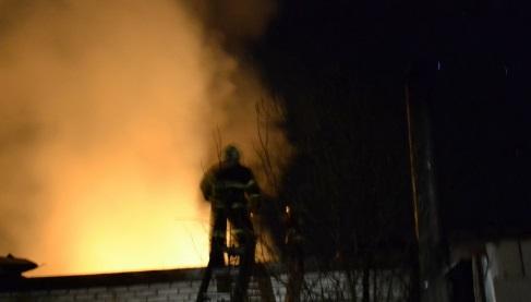 В садоводстве «Восход» пожарные потушили дачу