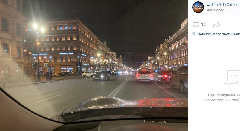 На Невском машина «Яндекс. Такси» столкнулась со «Шкодой»