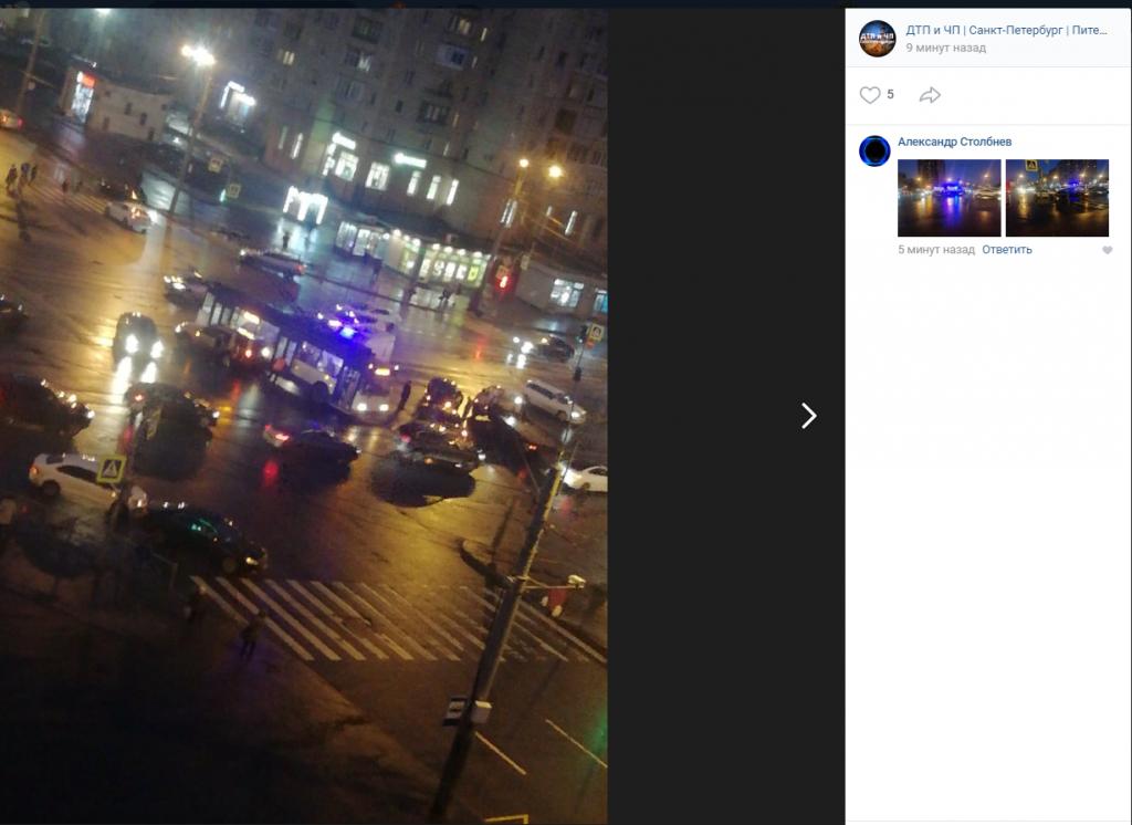 Сразу три аварии произошли на перекрестке Луначарского и Художников
