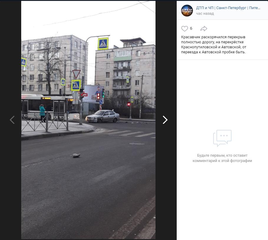 Hunday «раскорячился» в Красносельском районе: водители ждут пробку