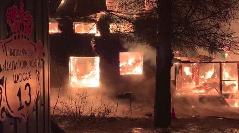 Спасатели локализовали пожар в доме под Всеволожском