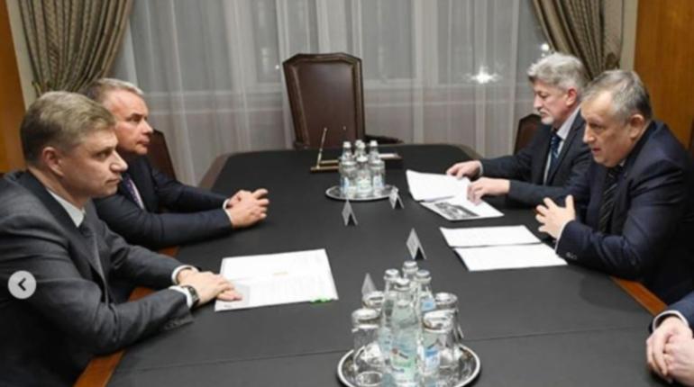 Дрозденко обсудил транспортный вопрос с главой РЖД