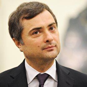 Сурков покинул должность помощника Путина из-за Украины