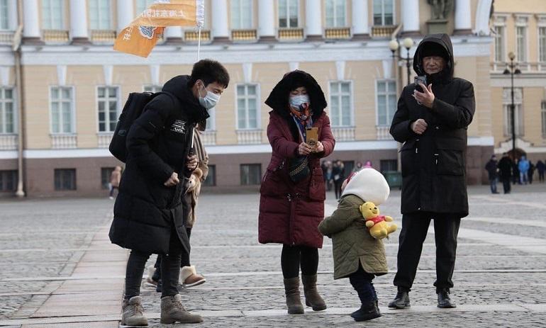Петербуржцы паникуют: массово звонят в больницы из-за коронавируса и китайцев