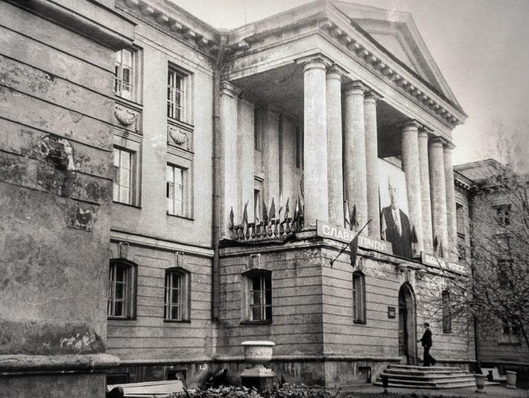 Суд приостановил действие решения КГИОП по медсанчасти на Одоевского