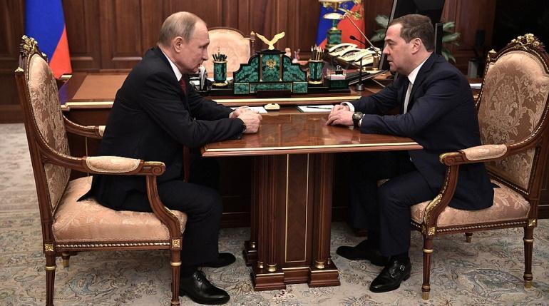 Путин подписал указ о назначении Медведева заместителем председателя СовБеза