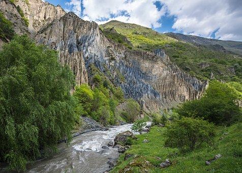 Ледники Кавказа могут полностью растаять за 50 лет