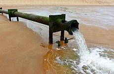 Петербургская компания сбрасывала сточные воды в канализацию: в дело вмешалась прокуратура