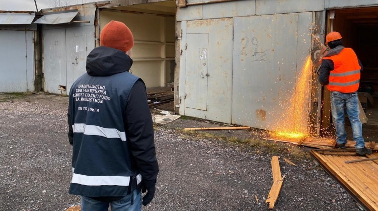 ККИ освобождает от гаражей территории под строительство зданий для Эрмитажа