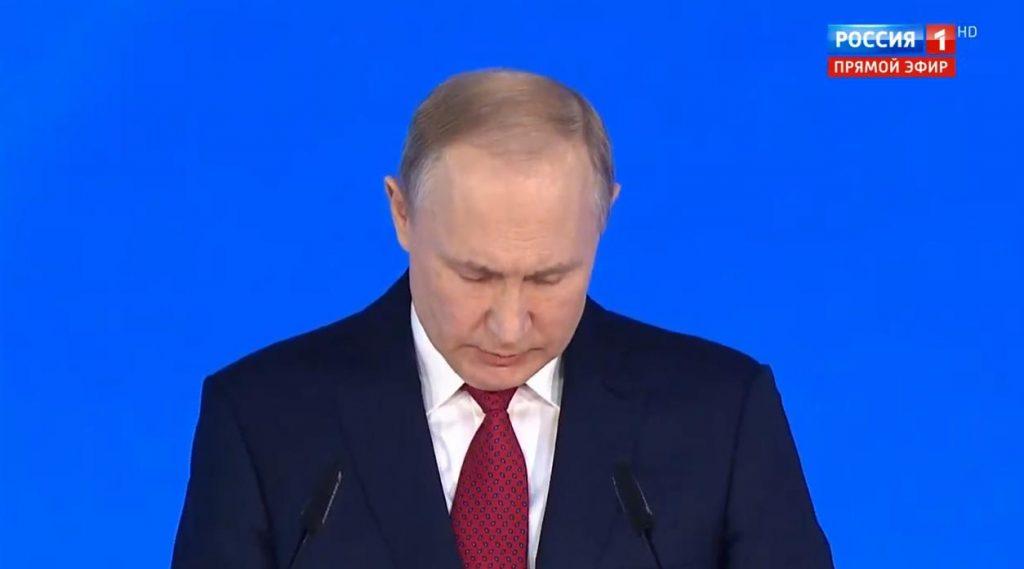 Путин поблагодарил правительство РФ за работу, «хотя не все получилось»