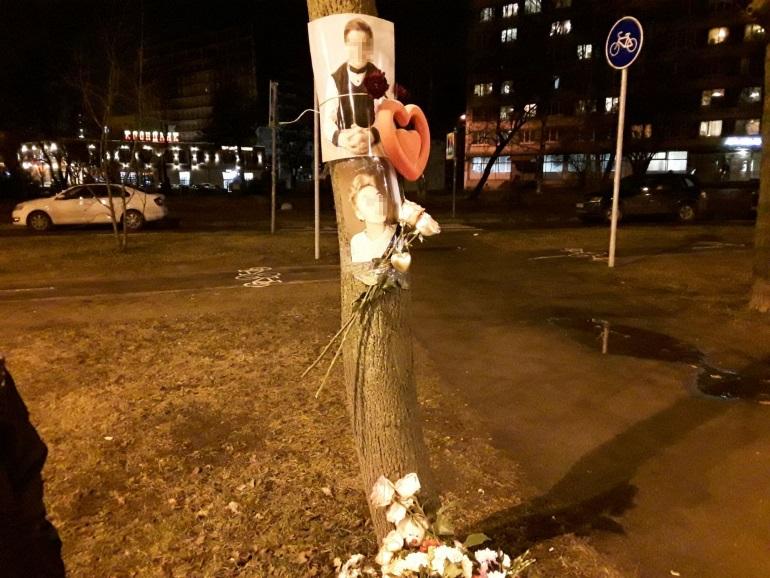 «У меня больше нет будущего»: суд арестовал лихача, а к месту гибели подростков на Тореза третий день несут цветы