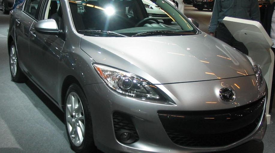 В России из-за проблем с двигателем отзывают 776 Mazda 3