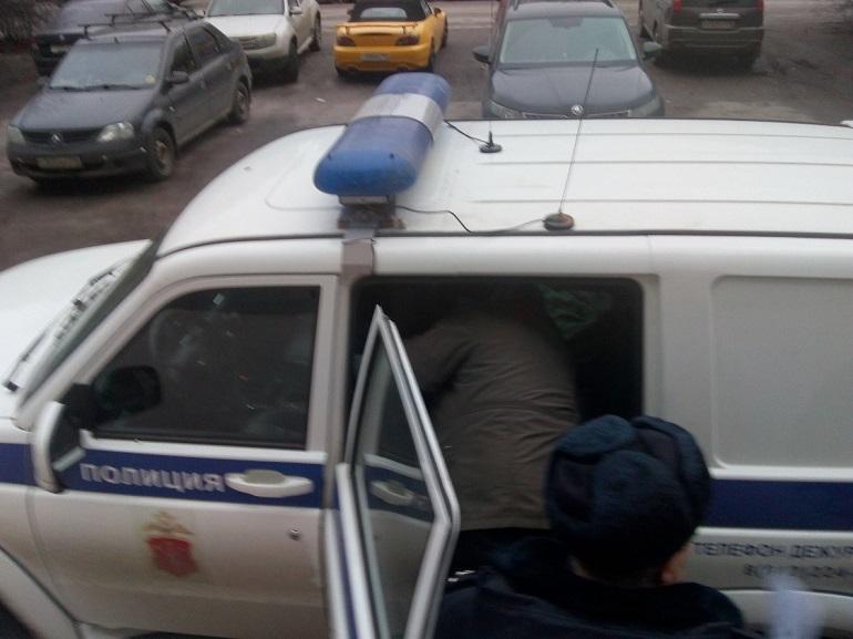 Слишком шумного петербуржца, мешающего спать людям, посадили на 11 суток