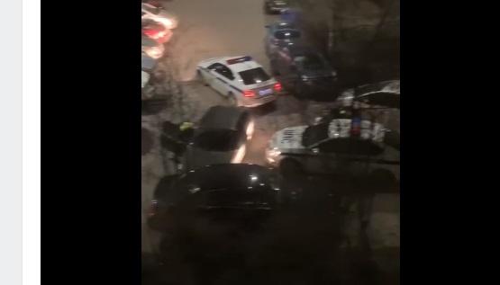 На Ярослава Гашека несколько машин ДПС приехали к месту ДТП с иномаркой