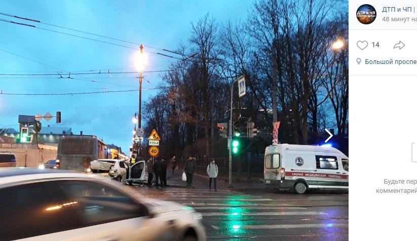 В ГИБДД рассказали подробности массовой аварии на Васильевском