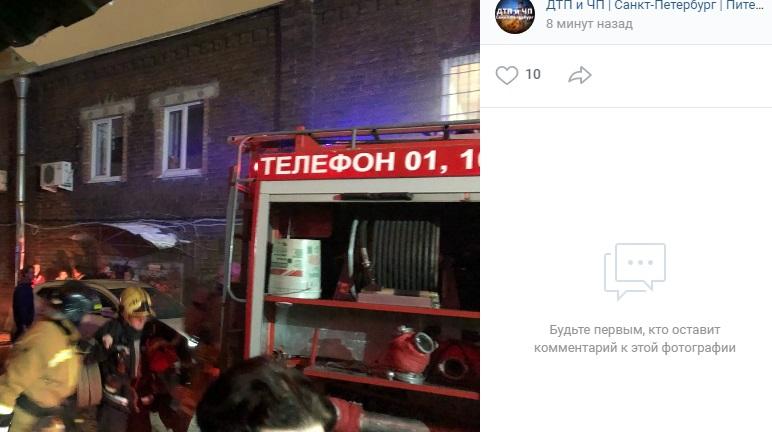Масштабный пожар на Лиговском удалось потушить спустя 3 часа