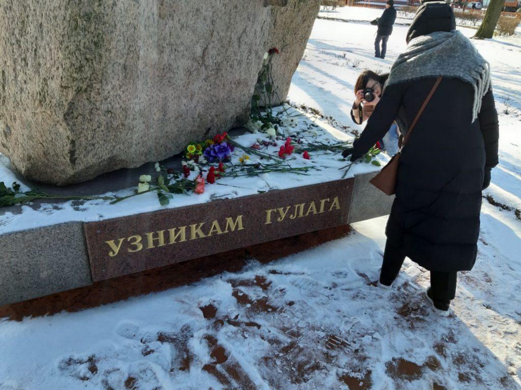 Марши памяти Бориса Немцова проходят вдесятках городов РФ