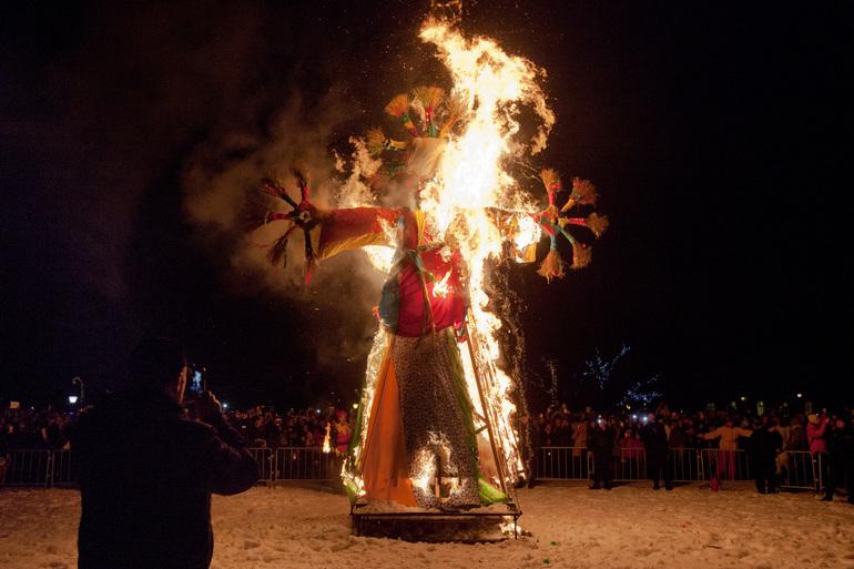 На Масленице в Павловске сожгут четырехметровое чучело