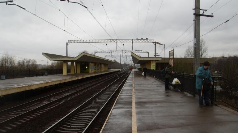 Поезд снес мужчину в Ульянке, пострадавший выжил