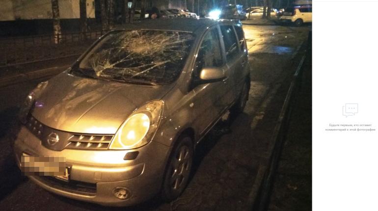Пьяный дебошир разбил машину на Демьяна Бедного
