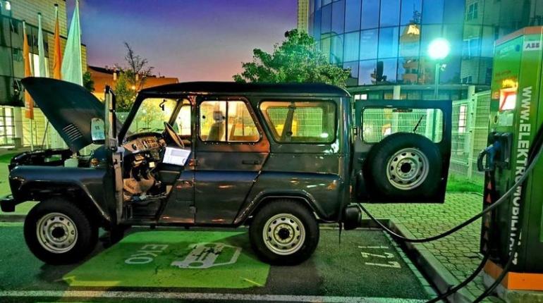 Из UAZ Hunter сделали электромобиль