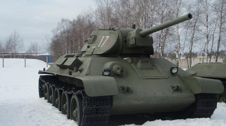 В Петербурге ремонтируют легендарные Т-34. Их отравят на Красную площадь в День Победы