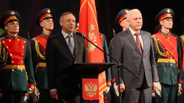 Петербург ежегодно направляет на службу в армию тысячу призывников