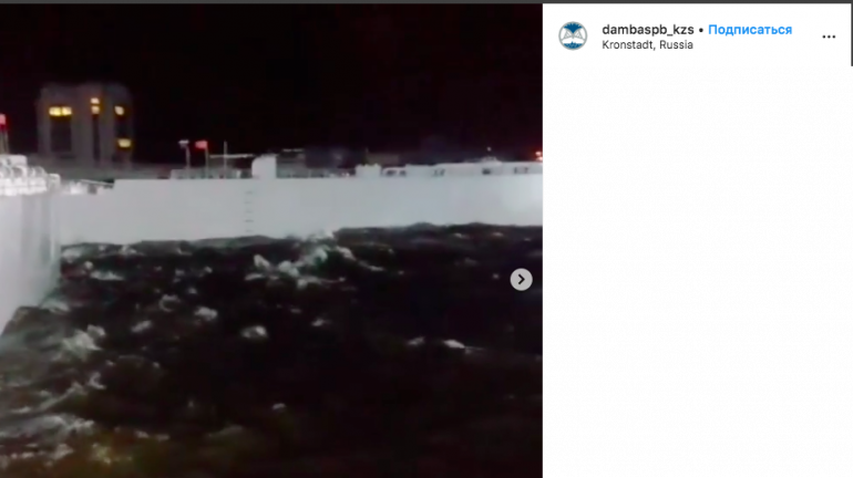 В КЗС показали, как дамба Петербурга пережила наводнение