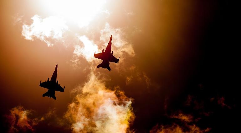 Шойгу: авиация НАТО репетирует авиаудары у границ РФ
