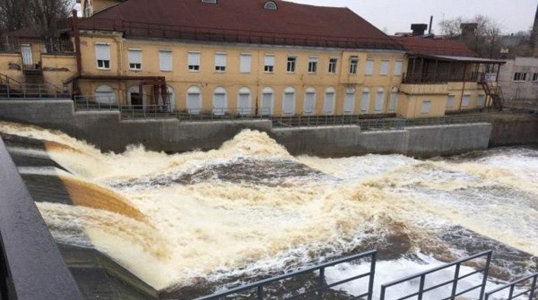 Сильные дожди не повлияли на работу гидротехнических сооружений Петербурга