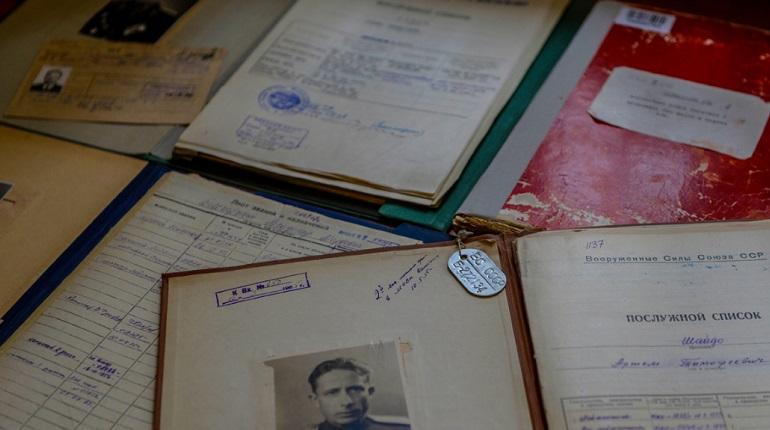 В Петербурге оцифровали документы более 291 тыс. участников Великой Отечественной