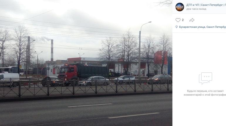 ДТП с самосвалом спровоцировало пробку утром на Бухарестской