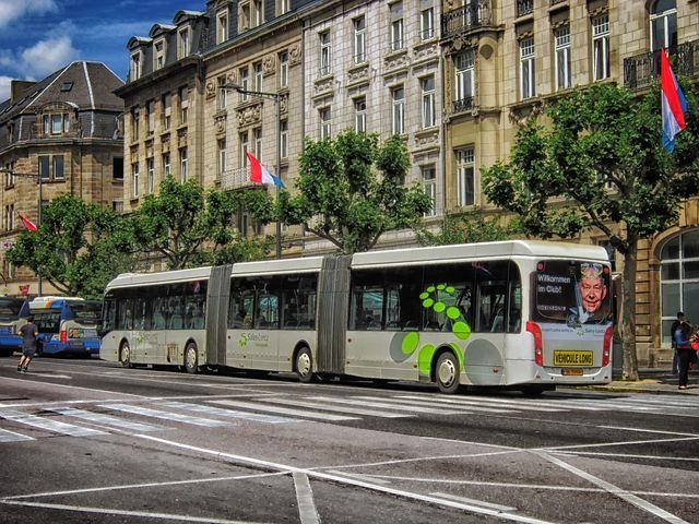 Люксембург борется с пробками на дорогах бесплатным общественным транспортом