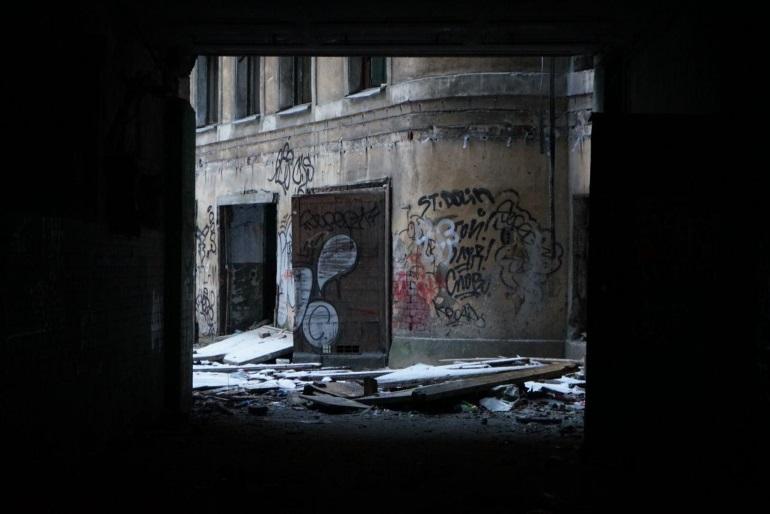 Горящим зданием на Петроградке оказался многострадальный дом Басевича