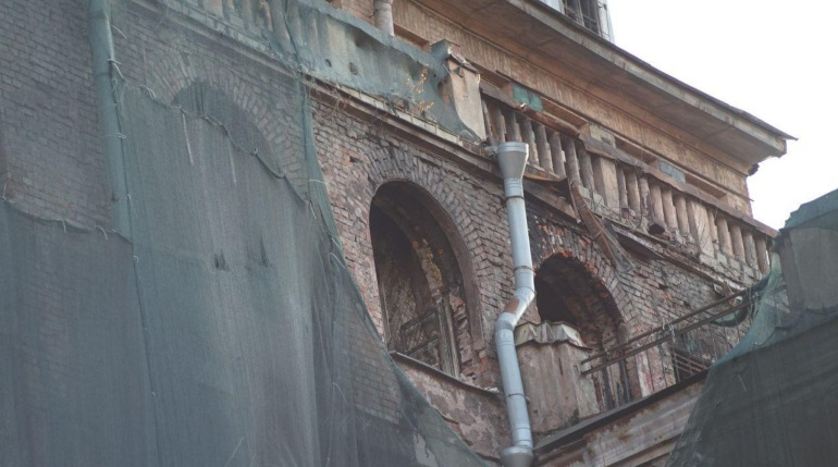 Суд отказался отзывать разрешение КГИОП на работы в Доме Басевича