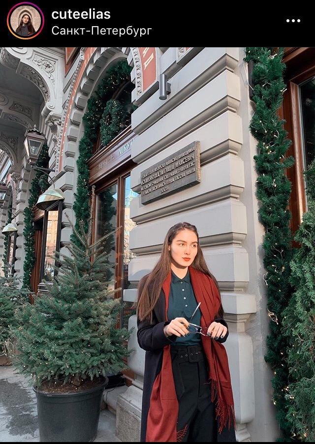 Полиция проверяет весь дом на Коломяжском после заявления блогерши об избиении ребенка