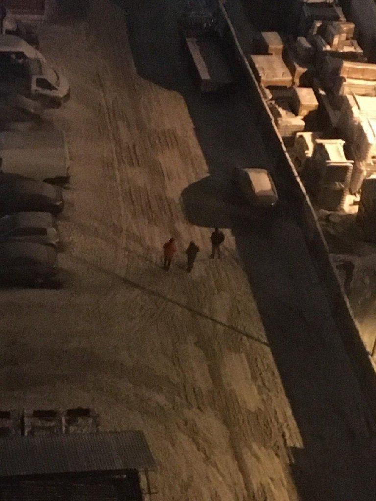 Неизвестные устроили стрельбу из автомата в Нижнем Парголово, их ищет полиция