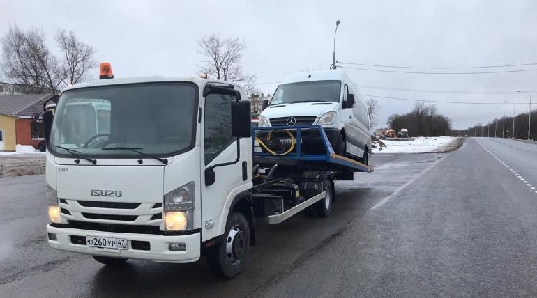 Два автобуса-«нелегала» арестовали прямо на «Нарве»