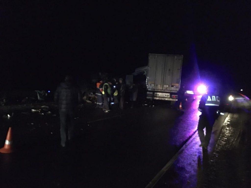 По дороге из Петербурга в Беларусь в ДТП погибли восемь украинцев