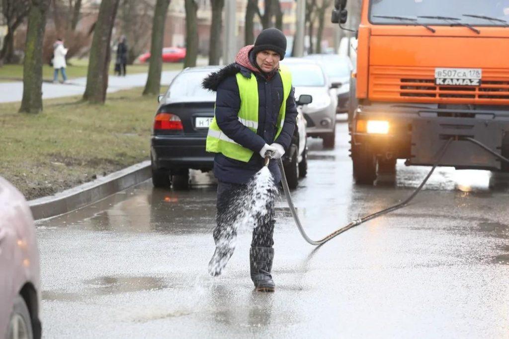 За неделю с улиц Петербурга вывезли больше 3 тысяч тонн мусора