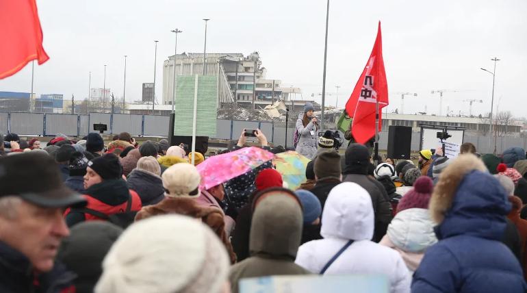 Митинг у СКК завершился: участники против строительства на этом месте