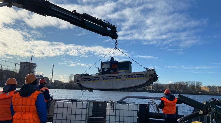 В Петербурге прошли учения по ликвидации разлива нефтепродуктов на Неве